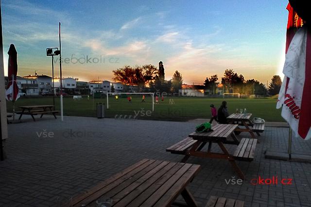 Rekonstrukce fotbalového hřiště v Jinočanech
