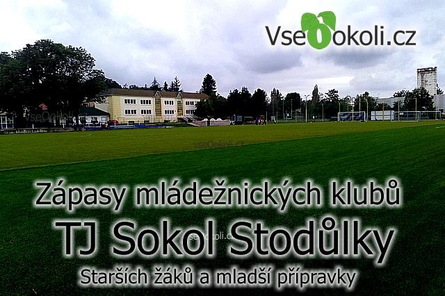 Praha 13, Stodůlky na nové trávě zápasy žáků.